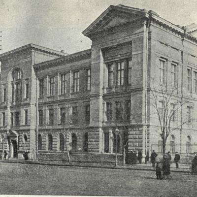 1. Будівля бібліотеки ІНУ на вул. Преображенській, 24